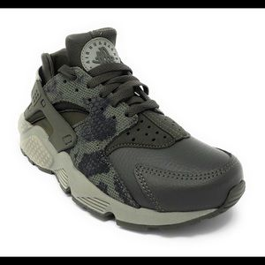85eb6fc0be1f Nike Shoes - Womens Nike AIR HUARACHE RUN PREMIUM Running Shoes